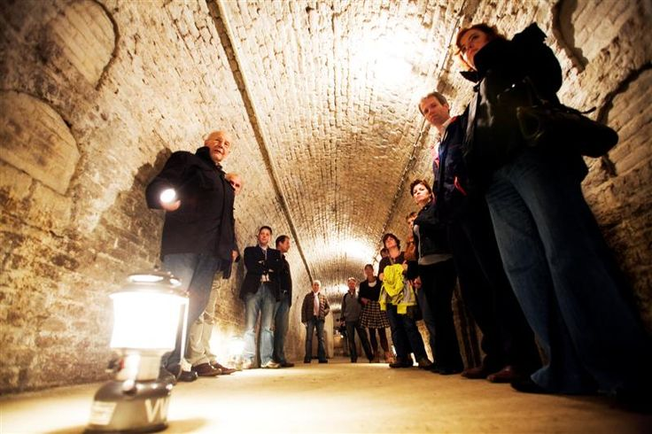 Bij een bezoek aan Valkenburg en Maastricht zijn de mergelgrotten een absolute must-see.