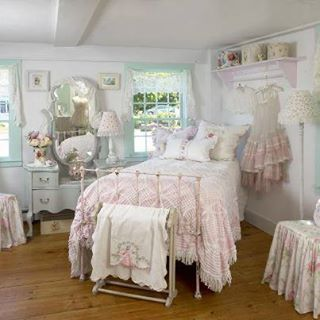 wonderful romantic shabby chic bedroom | 4723 best images about oh so shabby on Pinterest