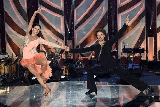 A ve StarDance s tanečním partnerem Markem Hrstkou