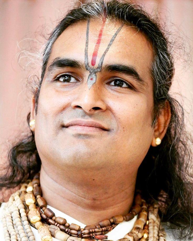 'It's not the #robe that one wears, but the #faith that one has in the #Guru, that makes one a true #devotee, a true #Brahmachari or a true #Swami. It's about how much one is #surrendered to the Guru, and how much love one has for the Guru.' — Paramahamsa Sri Swami #Vishwananda  ____________________________________________    #Love #Bhakti #Yoga #BhaktiYoga #Spiritual #Hindu #Inspiration #InspirationalQuotes #Radha #Krishna #Lakshmi #Narayan #JustLove