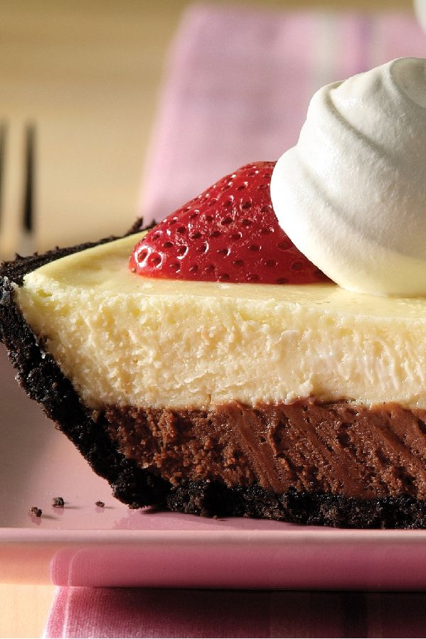 PHILADELPHIA 3-STEP Double-Chocolate Layer Cheesecake – Three steps. 10 minutes of prep. Two layers of cheesecake deliciousness. Top with berries and whipped topping and enjoy this easy dessert recipe.