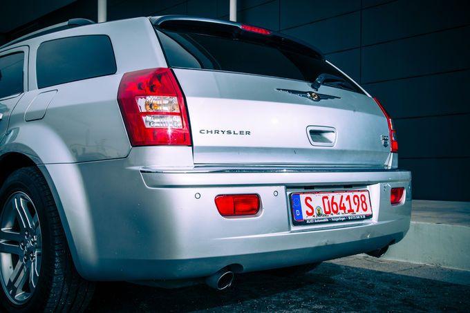 Chrysler 300 C Touring 5.7 Hemi, Heck