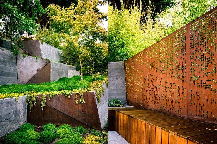 Современный ландшафтный дизайн сада частного дома от Mary Barensfeld