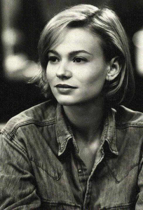 Samantha Mathis (born May 12, 1970), American actress.