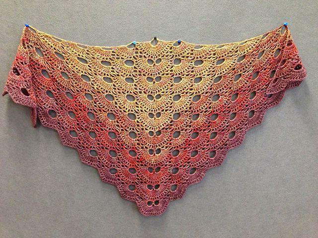 Ravelry: Virus shawl / Virustuch pattern by Julia ...