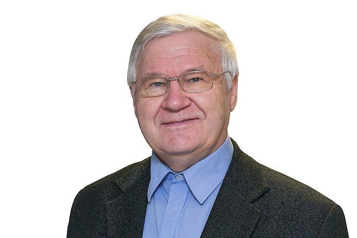Nuo 2013 gegužės Lietuvos Respublikos Vyriausybės kanceliarijos teisės departamento direktoriaus pavaduotojo pareigas už