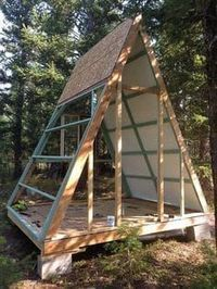 Couple builds tiny A-frame cabin for just $700 – #…