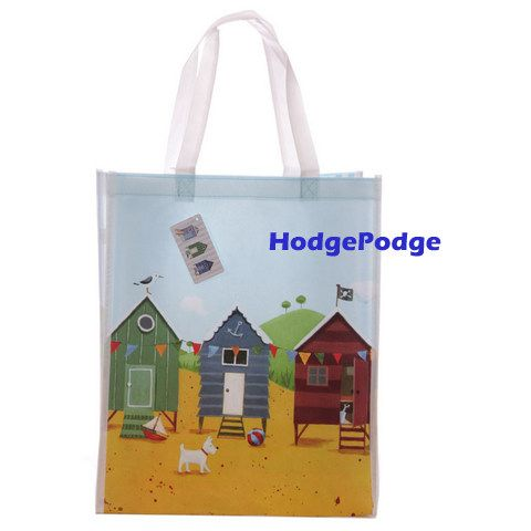 Bag it all up in this beach hut bag - HodgePodge
