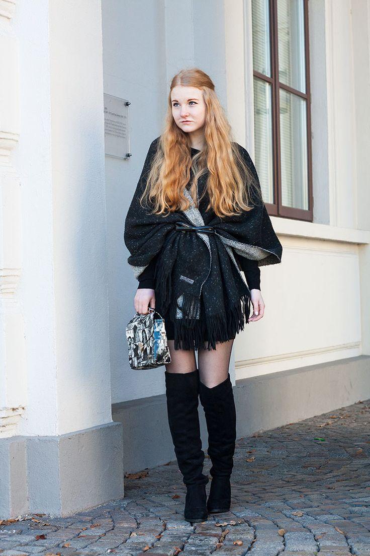 Schal als Cape tragen - Outfitidee für den Winter