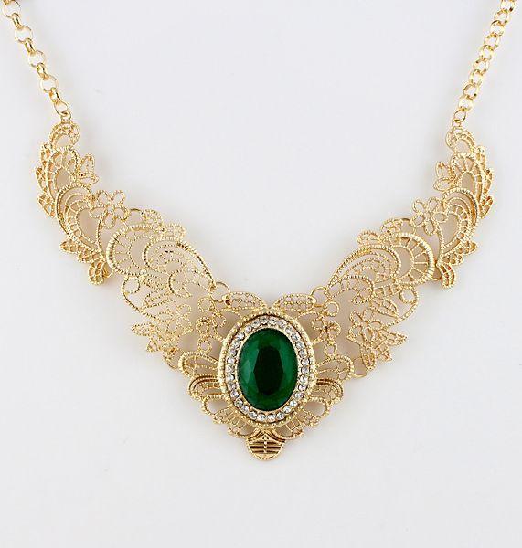 Emerald lace necklace