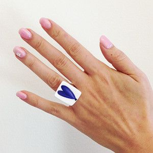 Ring Ranka Blue - Ring manufactured from recycled porcelain. Ranka Blue is designed by Stig Lindberg.