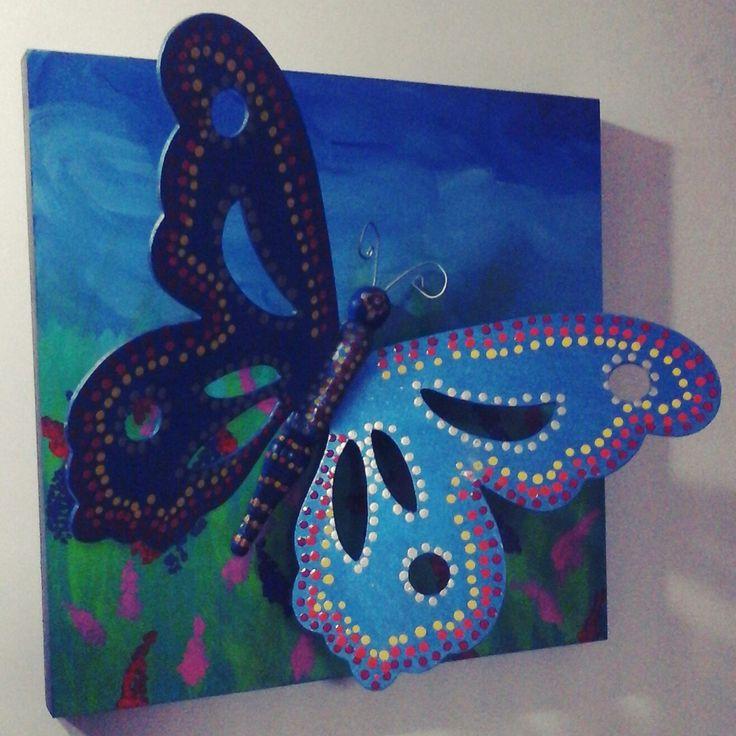 Mariposa en 3D, calada en MDF y pintada con acrílicos