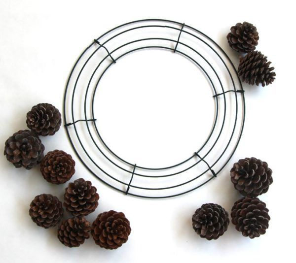 DIY-pinecone-wreath-apieceofrainbowblog (2)