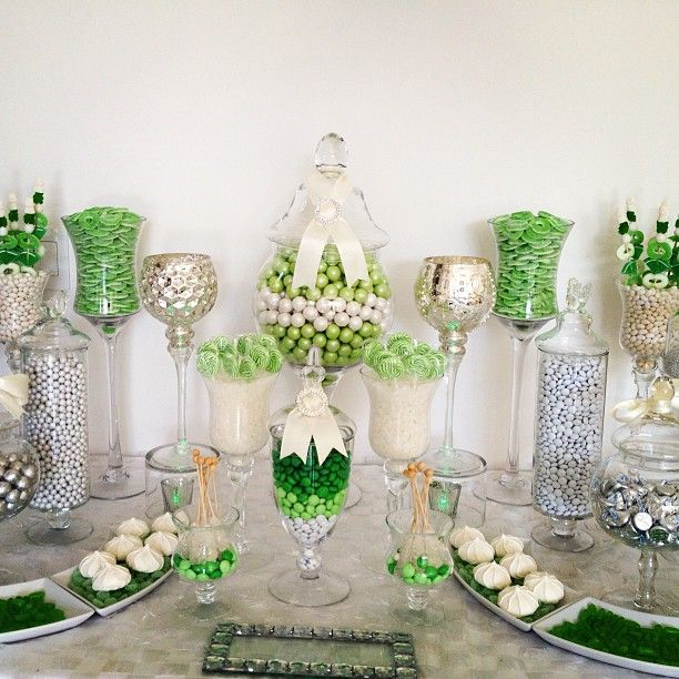 Yes, I want a green and white candy bar.  Bridesmaid duty since they are far more creative than I am anyway!!!