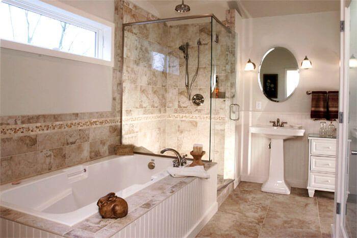 Как оформить окно в ванной?