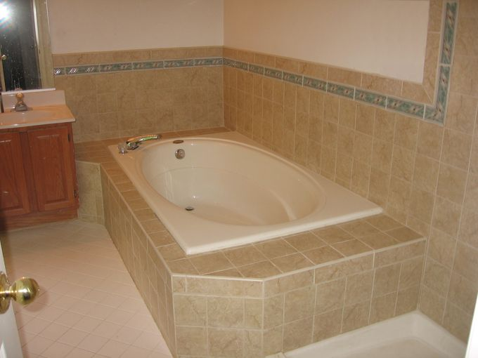 Bathtub And Shower Tile Ideas | ... Shower And Around The Toilet. Ceramic Part 51