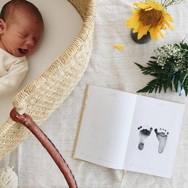 12 baby registry must-haves, things I wish I'd had for first baby - Fin & Vince Blog. Baby moses basket and baby book