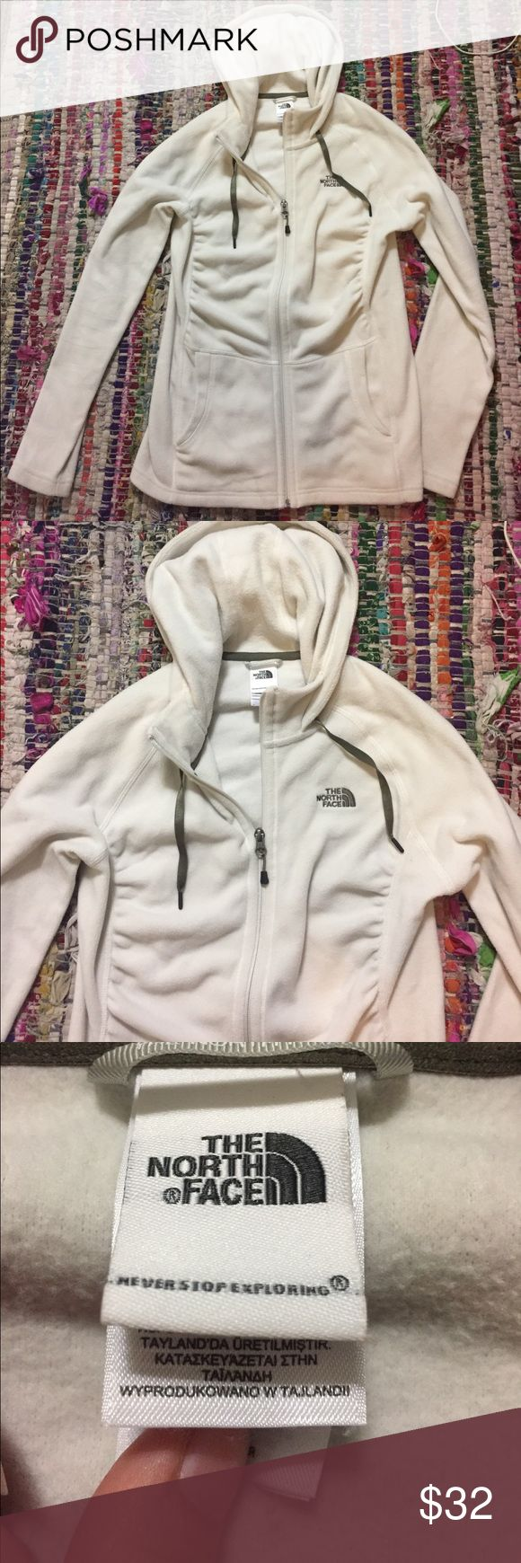 Sale !!!✨NEW ✨The North Face Fleece Jacket This north face jacket cinches in and is very figure flattering. I removed the tag unfortunately but have never worn it. This is the perfect layer piece for freeze cold hiking or single piece for running. Offers are welcomed :) North Face Jackets & Coats