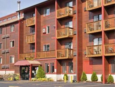 Colchester (VT) Days Inn Colchester/Burlington United States, North America Located in Colchester, Days Inn Colchester/Burlington is a perfect starting point from which to explore Colchester (VT). Featuring a complete list of amenities, guests will find their stay at the property a comfortable one. Free Wi-Fi in all rooms, 24-hour front desk, facilities for disabled guests, family room, newspapers are there for guest's enjoyment. Comfortable guestrooms ensure a good night's sl...