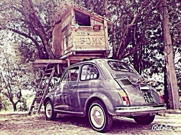 La Fiat 500 F del 1967 di Gregorio. La foto è stata scattata a Piscopio di Vibo Valentia- Calabria. 500 saluti!