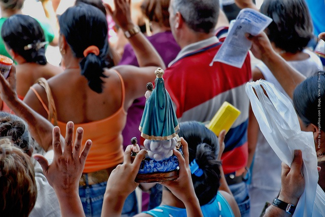 Buga, Colombia. Pilgrimages praying - by Diego Rios
