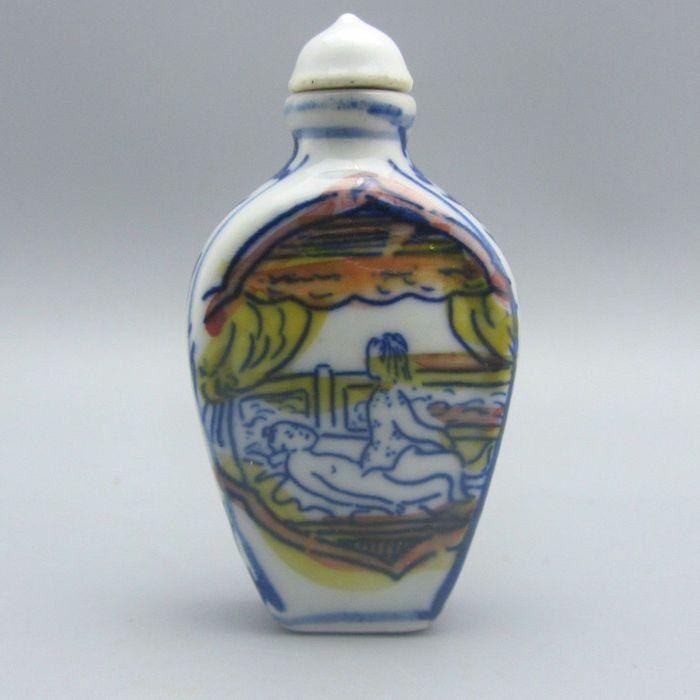 Online veilinghuis Catawiki: Erotisch beschilderde porseleinen snuff bottle - China - eind 20e eeuw