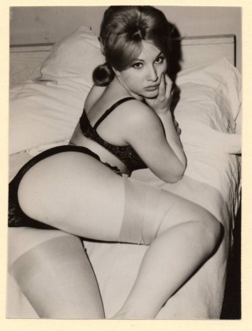 vintage porno escort girl brie