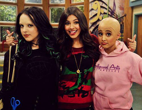 victorious cat bald   Liz Gillies, Victoria Justice & Ariana Grande Bald - Victorrious