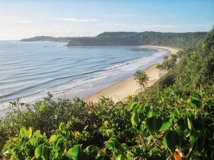 A linda Praia do Madeiro faz parte das praias de Pipa, perto de Natal. via deliciadeblog.com #praiadapipa #viagemnobrasil #nordeste