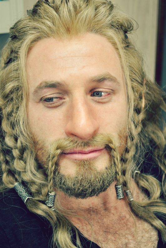 Fili. Why am I so fascinated by his hair? <--- Dunno, but I am too! Is it just me, or does Dean look REALLY tired?