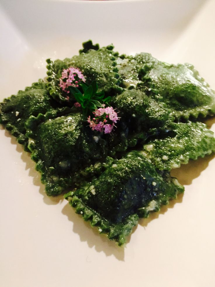 Ravioli di ortiche con caprino e lime - Caprino cheese and lime nettle dumplings