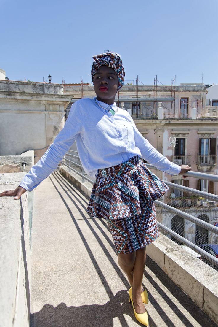 Ciao a tutti! Sono tornata con non uno, ma ben due nuovi fantastici outfit. Ecco a voi un altro dei regali che la mia mamma ha portato dal suo recente viaggio in Burkina Faso: una gonna e un vestito dalle fantasie afro colorate e originali. Sono molto emozionata di mostrarvi questi outfit, perché tengo…