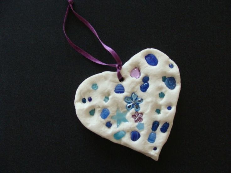 collier en pâte durcissante incrustée de perles ou pierres, bijoux