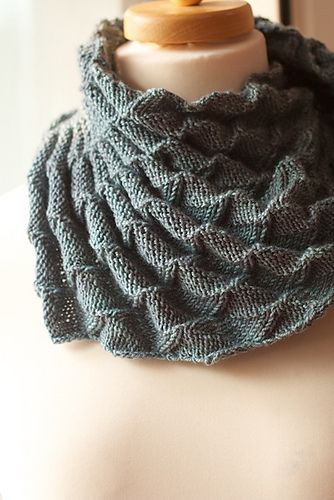 I love the look of this shawl unblocked - 'Heaven and Space' by Martina Behm