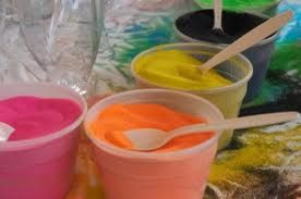 EASY recipe for making your own colored sand!  All it takes is white sand/salt and food coloring.  Dry overnight.