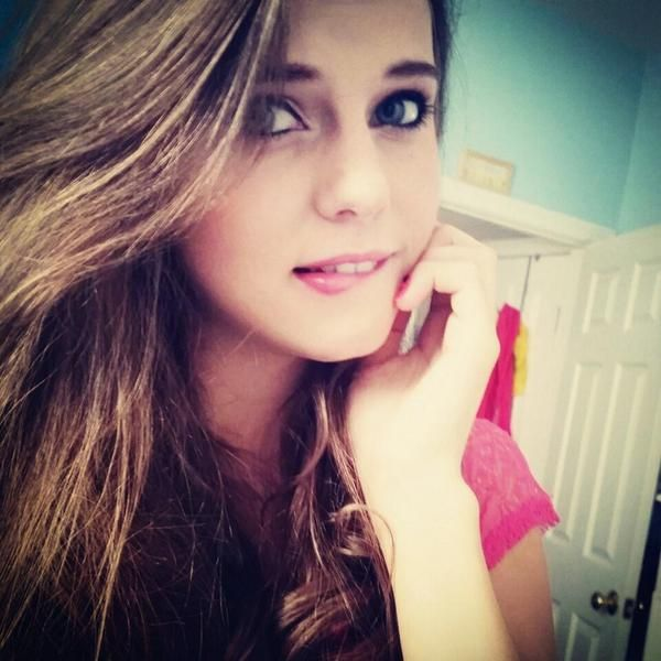 tiffany alvord looks too ,, pretty ,, wow wonderful pic