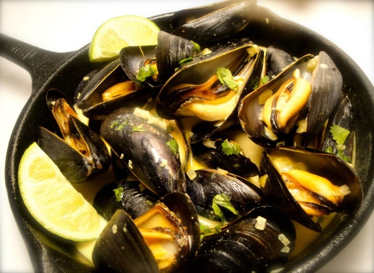 Spicy Coconut Curry Mussels | All Things Food | Pinterest