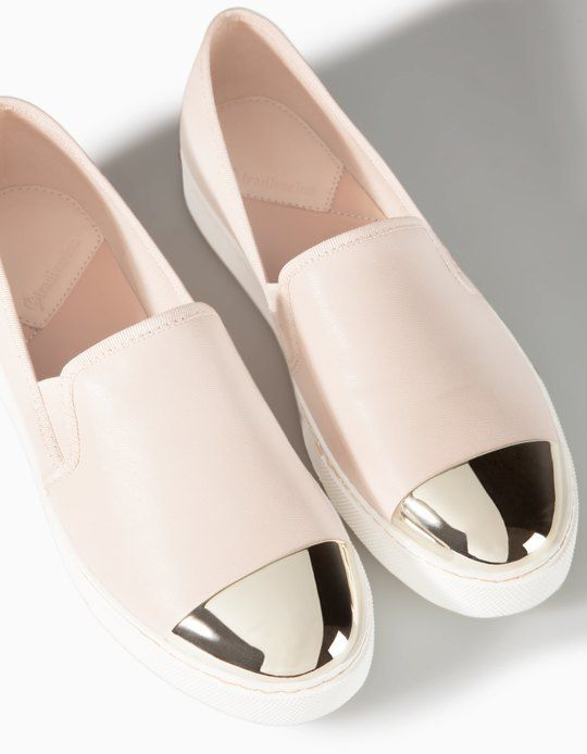 Chaussures slip-on pointues - CHAUSSURES DE SPORT - FEMME | Stradivarius France