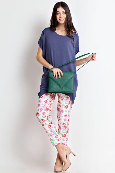 Cantalope 02 clutch bag #clutchbag #taspesta #handbag #fauxleather #kulit #messengerbag #envelope #amplop #fashionable #simple #elegant #stylish #green Kindly visit our website : www.zorrashop.com