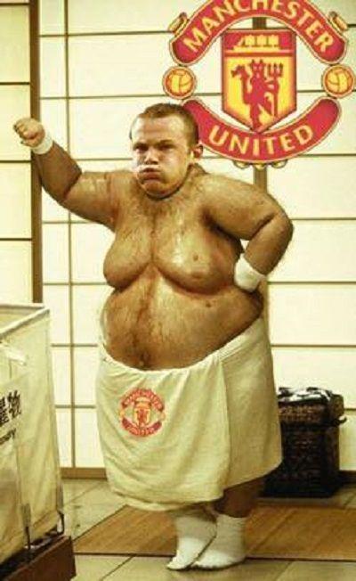 Reprezentant Anglii za 20 lat będzie ważył dużo więcej • Wayne Rooney stoi owinięty ręcznikiem z wielkim sadłem • Wejdź i zobacz >> #rooney #manutd #manchesterunited #football #soccer #sports #pilkanozna #funny #memes