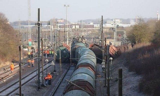 Σφοδρή σύγκρουση τρένων στο Λουξεμβούργο με έναν νεκρό: Σφοδρή σύγκρουση με έναν νεκρό και πολλούς τραυματίες σημειώθηκε το πρωί στην…