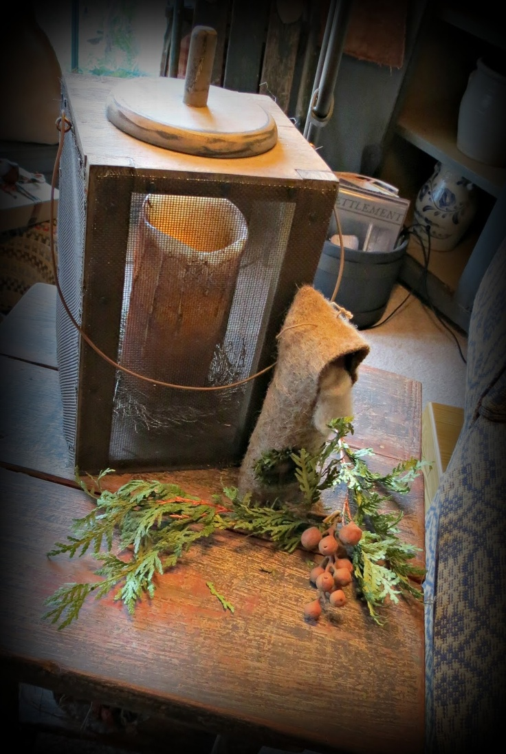677 best primitive christmas images on pinterest for Decoration lumignon 8 decembre