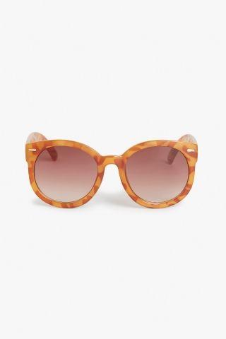 Monki Horn-rimmed sunglasses in Reddish Brown