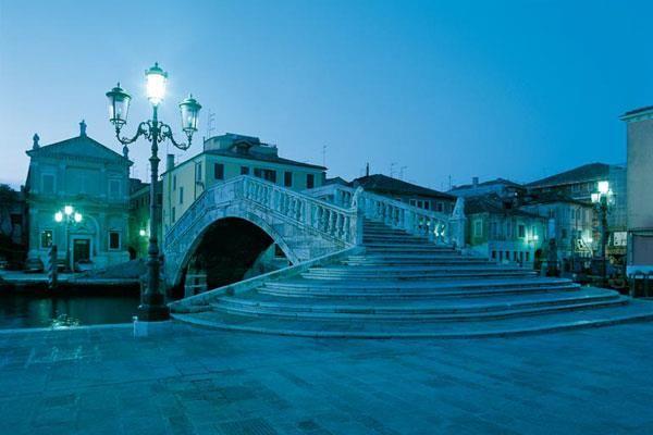 Il ponte di vigo. Molti film girati a Chioggia hanno ripreso questo ponte, l'ultimo di una lunga serie