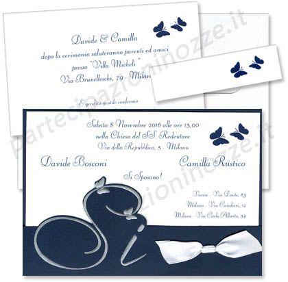 Art. 95574 - Cartoncino bianco con stampa, sovrapposto a cartoncino vergato blu con rilievi argentati legati da nastro bianco in raso