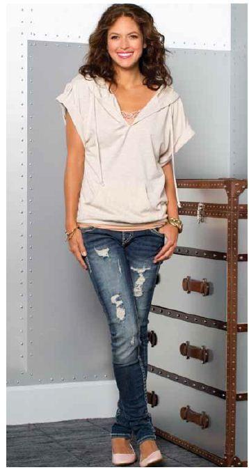 Kismet Scarlette Short sleeve sweater in cream with destructed jeans @Chris Munroe