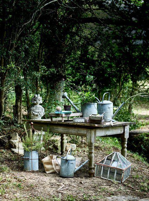 9 rustic and vintage garden styling tips   Potting Sheds   Pinterest ...