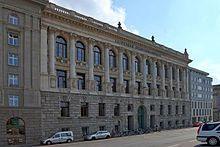 Leipzig; Altes Grassimuseum – Wikipedia   Heute Stadtbibliothek