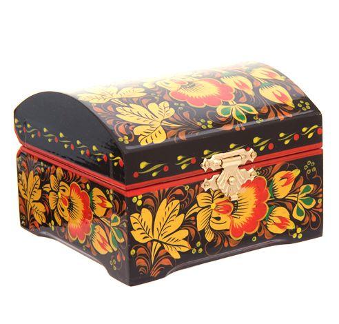 Khokhloma box http://www.artshop-rus.com/products/russkie-suveniry/shkatulki-khokhloma