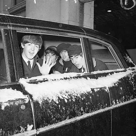 The Beatles (Baby you can drive my car - in the limo in the snow)